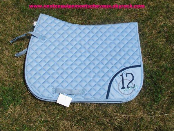 tapis fouganza bleu ciel vente de mat riels d 39 quitation. Black Bedroom Furniture Sets. Home Design Ideas
