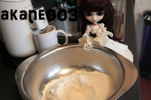 photo d'hinata qui fait des cookie