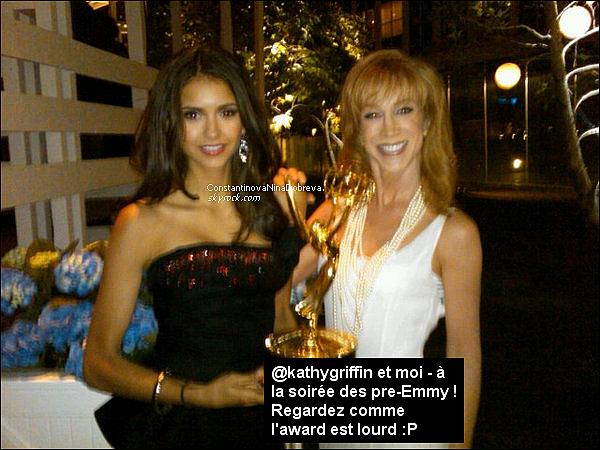 Nina a posté une nouvelle photo sur son compte Twitter.     Je trouve Nina très jolie !