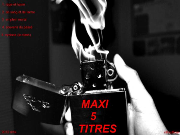 maxi 5 titres en élaboration  ( 1 pochette avant 2 pochette arrière avec tracklisting
