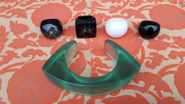 bagues et bracelet monochrome + bagues inclusions pappus de pissenlits