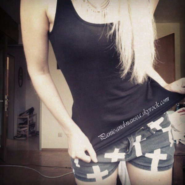 ♦ ♦ ♦Julie Goldmadchen