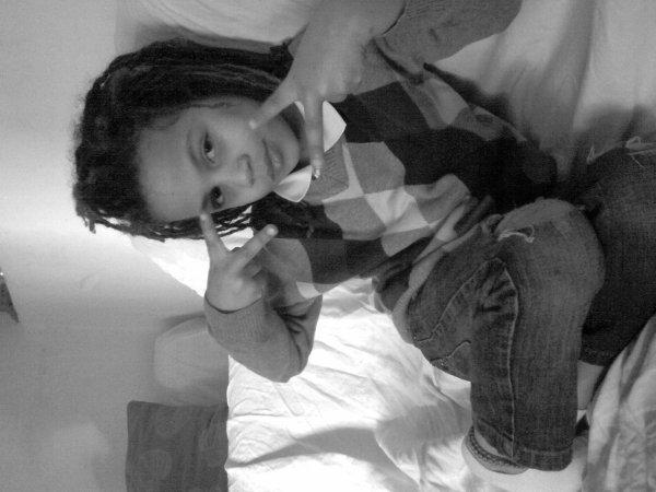 Mon petit frère que j'aime!! <3<3<3<3<3<3<3<3
