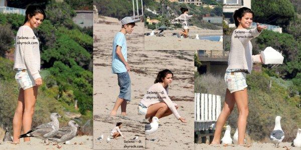 Vendredi 23 septembre Selena Gomez & Justin Bieber à la plage, Malibu .