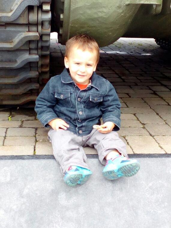 Min fils ezzio 2ans que sa passe vite jtm mon loulou