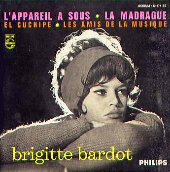 "parodie de brigitte bardot ""la madrague"""
