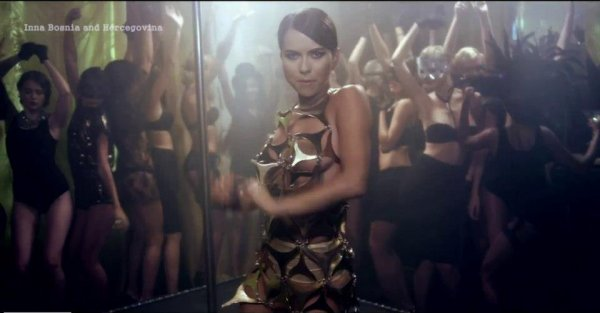 Inna featuring Play & Win India ( suite )