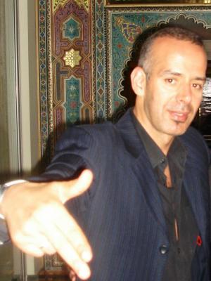 ----------------------------Mon producteur Salah Rahoui , il est comme un grand frère !!!---------------------------- Facebook Officiel - Mes Vidéos - Twitter Officiel - Myspace Officiel
