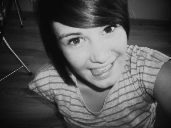 Et moi je suis tombée en esclavage de ce sourir, de ce visage...