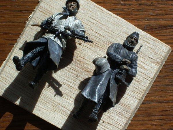 J'ai peint une deuxième figurine , en 3heures à peu près !
