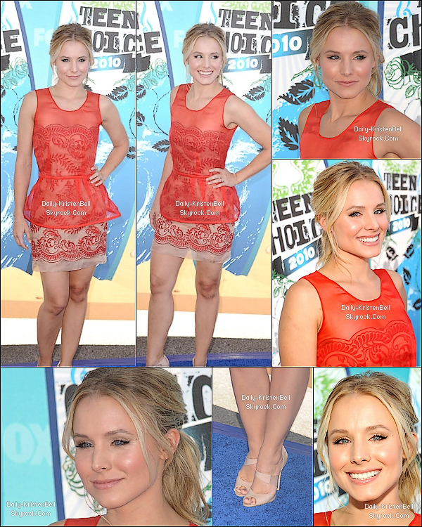 """. 08/08/2010__-_Kristen Bell sur le tapis rouge des Teen Choice Awards 2010. Coté Look: """"J'ai pris les rideaux de chez mémé pour faire ma robe"""" TOP ou FLOP? ."""