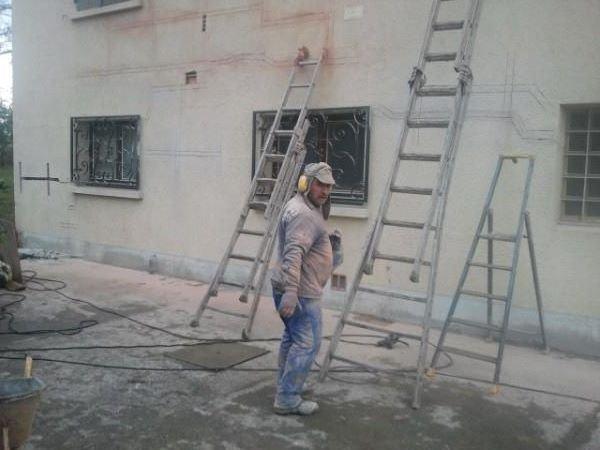 je consolide la maison au cas ou il y aurait un tremblement de terre le 21 decembre 2012
