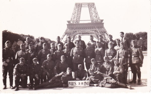 photos de la tour Eiffel sous l'occupation.