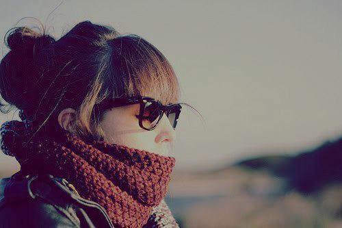 Je déteste quand on parle avec une personne tous les jours et puis rien, tout s'arrête, nul n'adresse la paroles à l'autre ♥