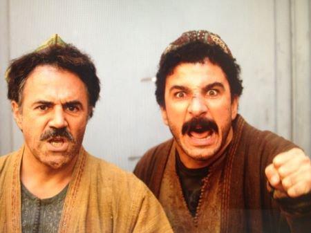 Attention! Muzafar et Feruz débarquent en France... et ils ne sont pas contents!