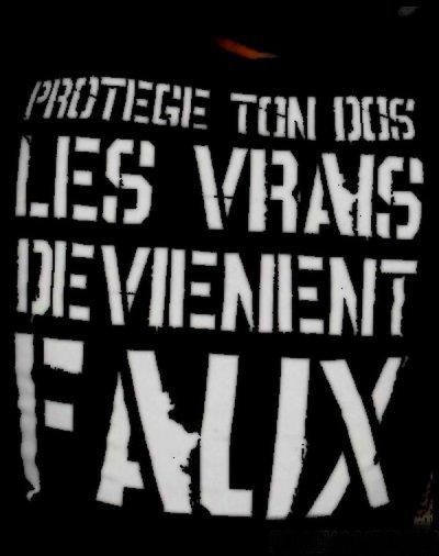 »` Protège ton dos, les VRAIS deviennent FAUX !  (2009)
