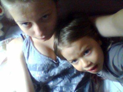 Moi & ma soeur <3 ! (: