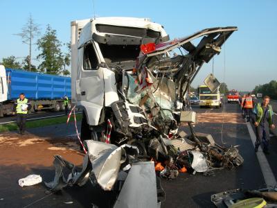 accident poids lourd a 4 brumath voiture utilitaire poids lourd bus. Black Bedroom Furniture Sets. Home Design Ideas