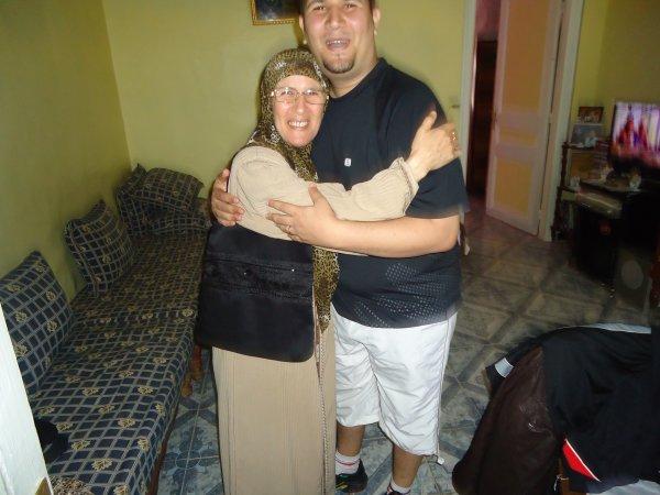 Mon chéri avec sa maman