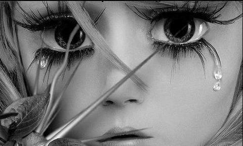 ♪♫J'aimerais être une larme pour naître dans tes yeux, vivre sur ta joue et mourir sur tes lèvres ♫♪