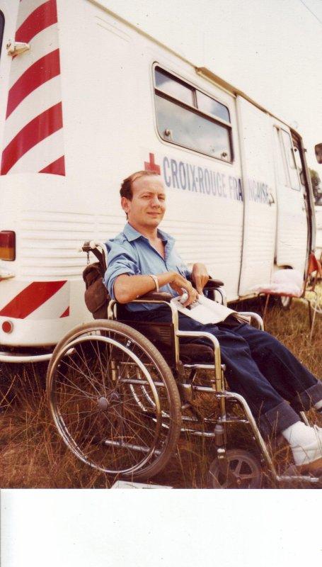 FUTURE CHANTEUR COMPOSITEUR POETE CONTEUR ECRIVAIN JE PORTENT DES COUCHES ET CHANGES AVEC DES ELASTIC AUX CUISSES en fauteuil roulantGRND CONFORT SERVIETTE SOUS LES FESSES EN CAS DE FUITES URINES PERTES FECALES fauteuil roulant je suis handicape phisique etas civil bi sexuel en couches ;COUCHE PLASTIFFIEES, culottes caochoux a pressions  DEHANCHE A DROITE OPERE JAMBE PIED DROIT STRABISME Handicape phisique en fauteuil ne prématuré à 6 MOISbesoin dune nounou homme qui aime les couches petit sex bi gays a la fois EN COUCHES ADULTE ET CHANGES COMPLETS BOUTONS PRESSIONS CULOTTES Caochouc IL EST BEAU CET AMI TBL ABDL EST TRES MATERNEL comme moi cet ami daddy respecter estime affectionnent amis internots en couches changer netoyer langer talker je l'etre par ce beau daddy skirok et qu'il soit dijon fontaine ouche EN COUCHES ADULTES ETUDIENTS INFIRMIERS  BRANCARDIERS INFIRMIER CHAUFFEURS RECHER ET OUI JE SUIS HANDICAPE PHISIQUE MOTEUR EN FAUTEUIL OUI JE FAIT SOUS MOI PIPIS CACAS DANS DES PROTECTIONS LANGER ME GARNIR ME NETOYER FAIRE MA TOILEETE DESABILLER HABILLER ME COIFER ME DONNER MON BIBEN COUCHES ABDL HANDICAPE PHISIQUE PETITE ANNONCE COSTE HUBERT 1 ALLEE DE CALVI 21OOO DIJON PETITE ANNONCE