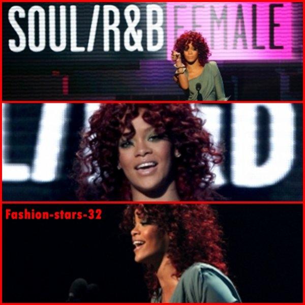 Rihanna aux American Music Awards 2010 .      21 Novembre.