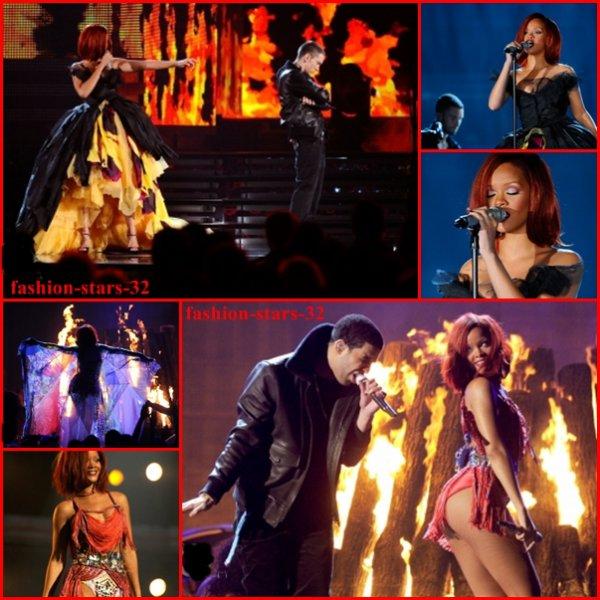 Rihanna aux Grammy Awards 2011 .   13 Février