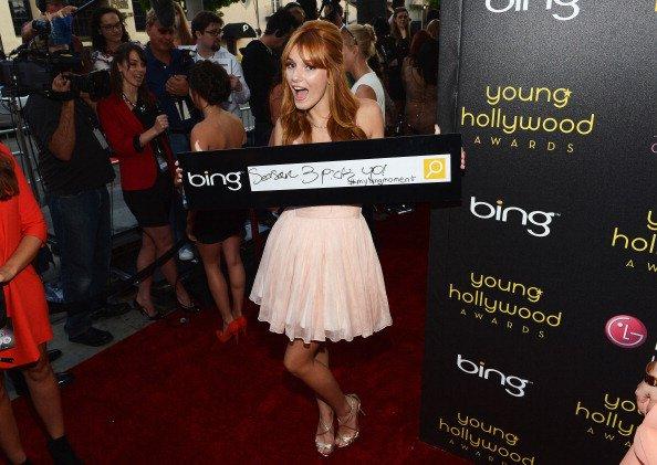 Bella au 14ème Young Hollywood avec sa soeur Dani (suite 1):