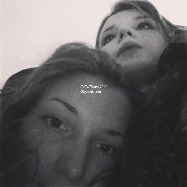 Photos twitter de Bella le 31 décembre :