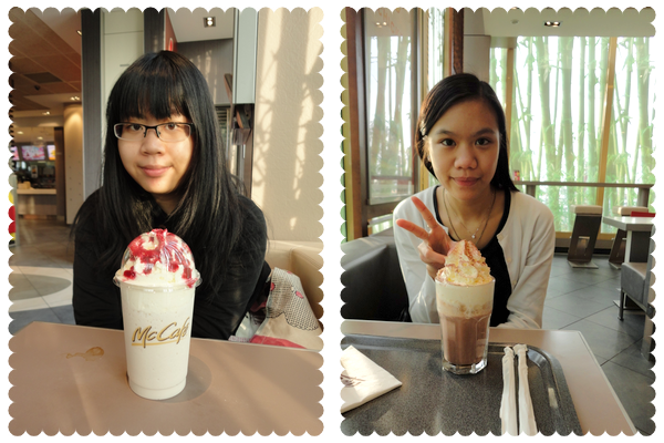 S. { Mc Café ; 22/02/2011 }