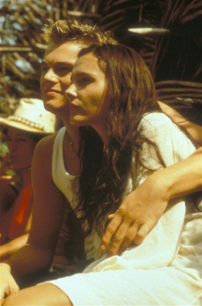 Un film de Danny Boyle, avec Léonardo Dicaprio, Virginie Ledoyen ...