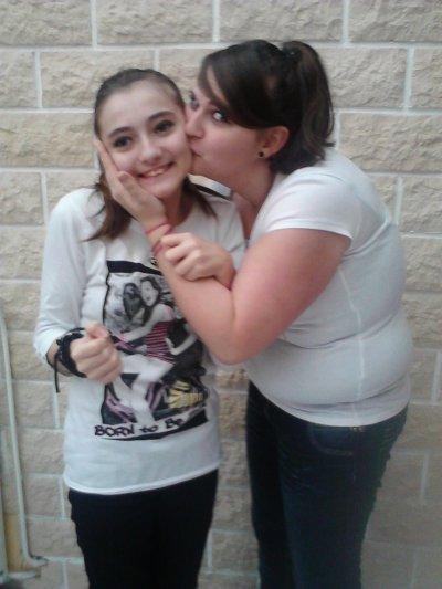 ma grande soeur et moi :D