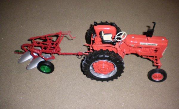 Charrue 2 socs oliver atteler a un tracteur Allis Chalmers D15