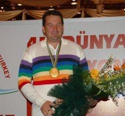 Bruno Leboursicaud, Médaille d 'Or, champion du Monde de tir de précision.