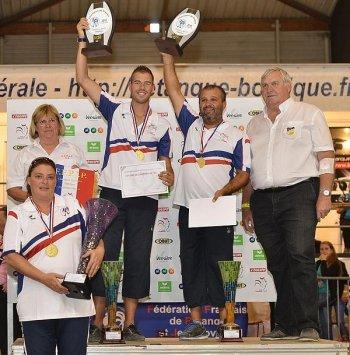 CHAMPIONNAT DE FRANCE TETE A TETE FEMININ . DOUBLETTES SENIORS À LANESTER (56).