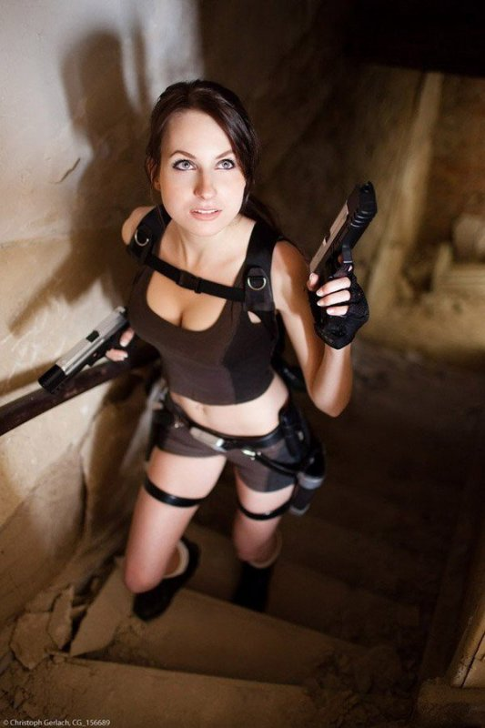 sacree lara croft
