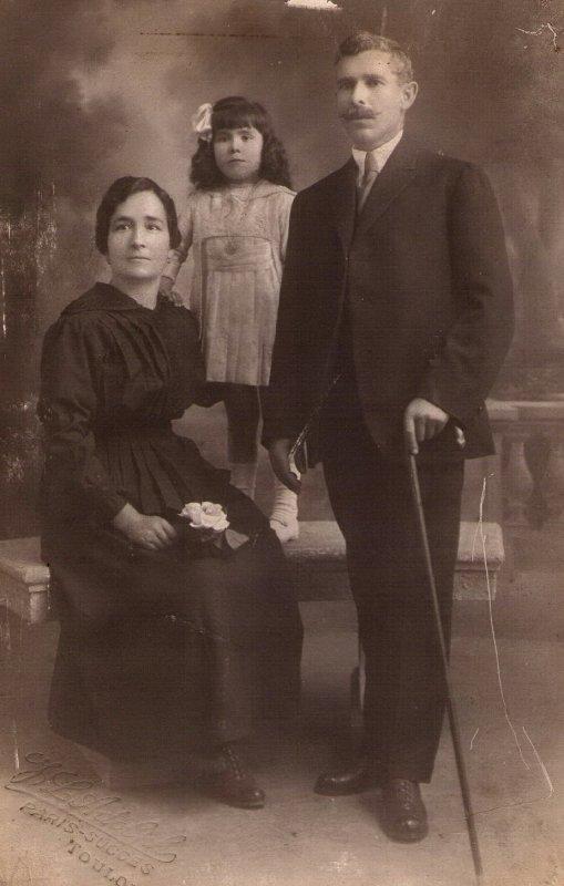 descendance Fernandez.dans l'ordre,Mariana, José,Jeanne et Sidonie .