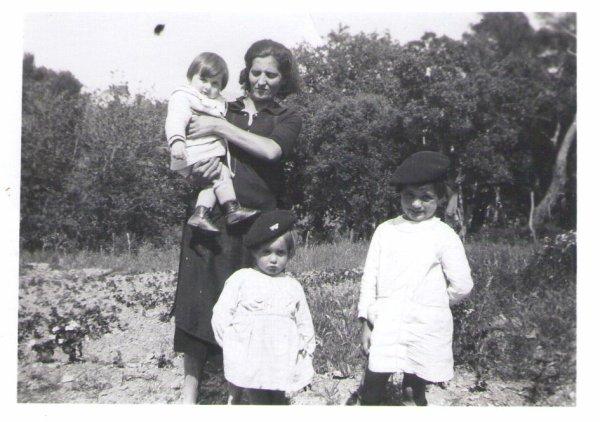 des photos du coté Elisan maman de mon époux à la campagne de la grand mére Six Fours.