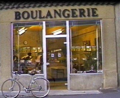 tradition du suisse,des pognes avec les anciens proprietaires,les devantures,le magasin,tournée dans la  campagne .