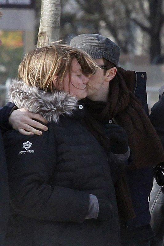 Chris Colfer hier à Paris accompagner de sa famille et Will.