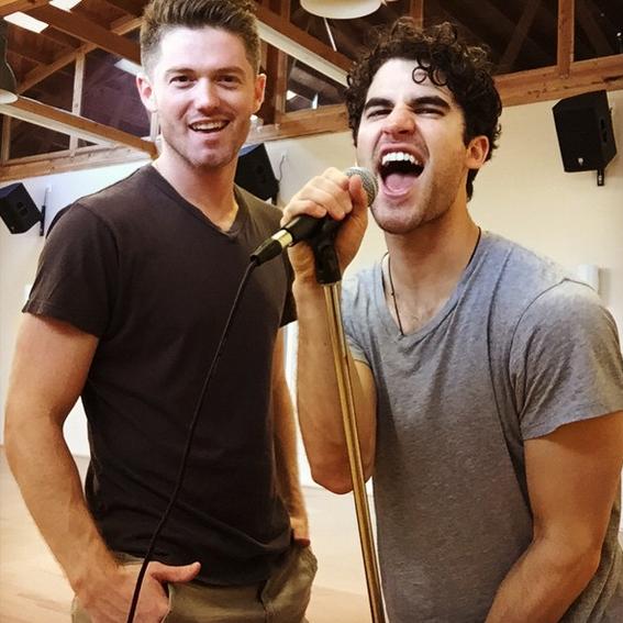 Répétition de Darren pour son rôle dans Hedwig