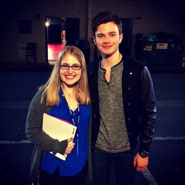 Chris après le tournage de Hot In Cleveland avec une journaliste.