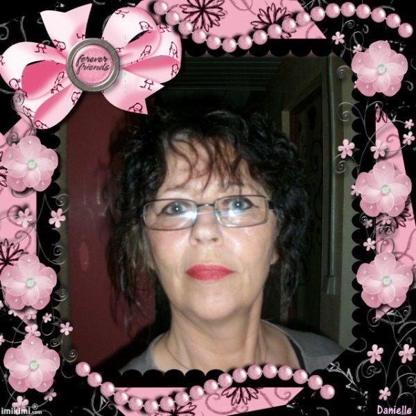 mes amies amis je vien de perdre ma s½ur Corinne celle qui avais le cancer des poumons elle a beaucoup souffert  elle avais deux filles et 5 petit enfants