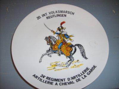 """assiette de décoration """"militaire"""" trouvé sur brocante le 21 Aout 2011"""