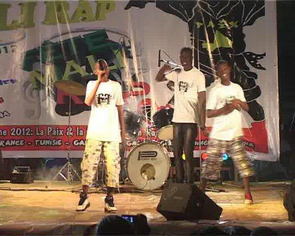 C'est Du Fort / Malian Dougie Instru (2012)