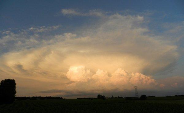 PHOTOS PERSO: Ah, mais que serait le ciel... sans nuages... les merveilleux nuages?