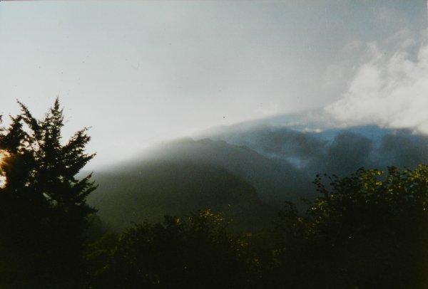 PHOTOS PERSO + Poésouille = le vent, la brume et la montagne