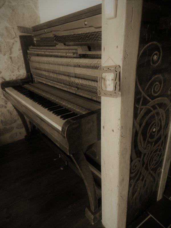 IL ETAIT UNE FOIS..... UN PIANO.