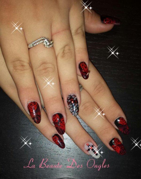Nail Art Halloween Gothique / Romantique