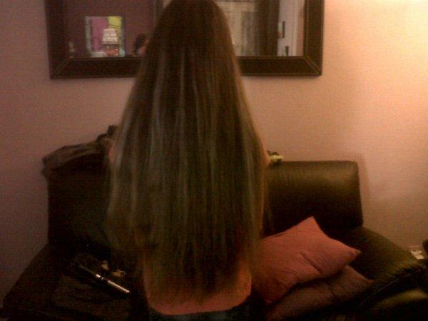 moi de dos les cheveux lisser